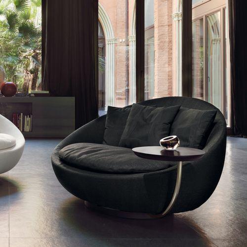 sillón moderno / de tejido / de cuero / de metal lacado