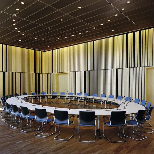 mesa de conferencia moderna / de material laminado / rectangular / ovalada