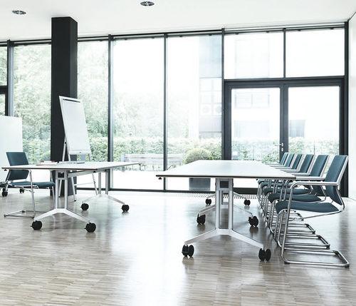 mesa para la enseñanza moderna / de aluminio / rectangular / con ruedas