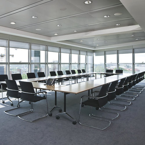 Mesa de reuniones moderna / de madera / rectangular / para edificio público TIMETABLE by Andreas Störiko Wilkhahn