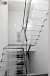 escalera recta / en U / con peldaños de vidrio / estructura de vidrio
