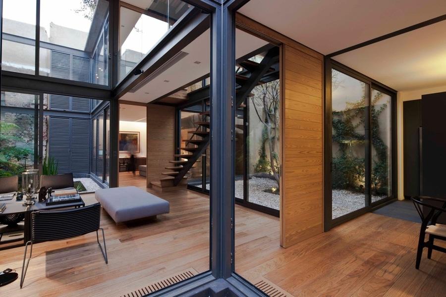 Una casa con 4 patios [incluye planes de piso] - Mexico City ...