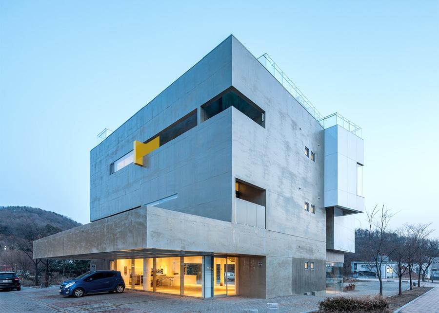 Maxcube de Studio Koossino contiene espacios de trabajo creativos ...