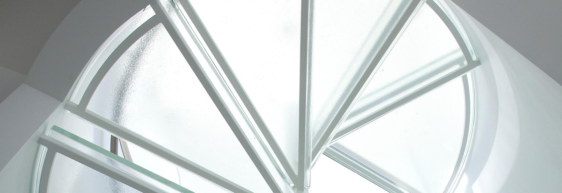 escalera de cristal espiral