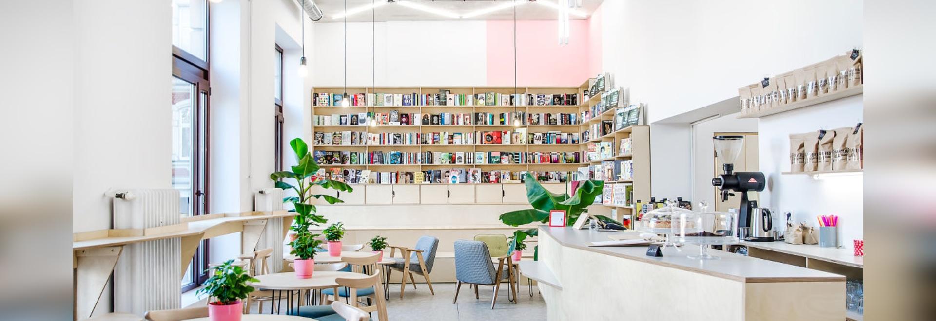 Este café en Polonia es también una librería