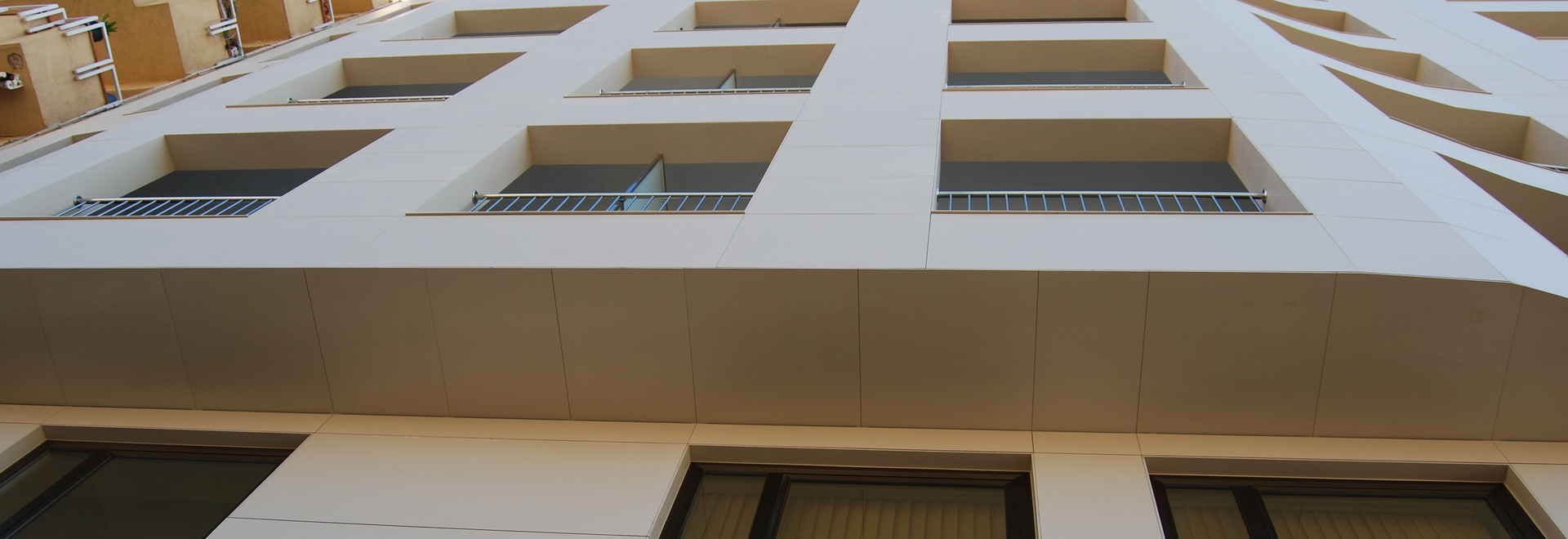 Gracias de los ahorros a las fachadas ventiladas