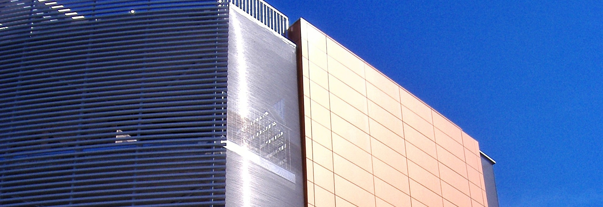 Malla metálica - hotel Ligresti
