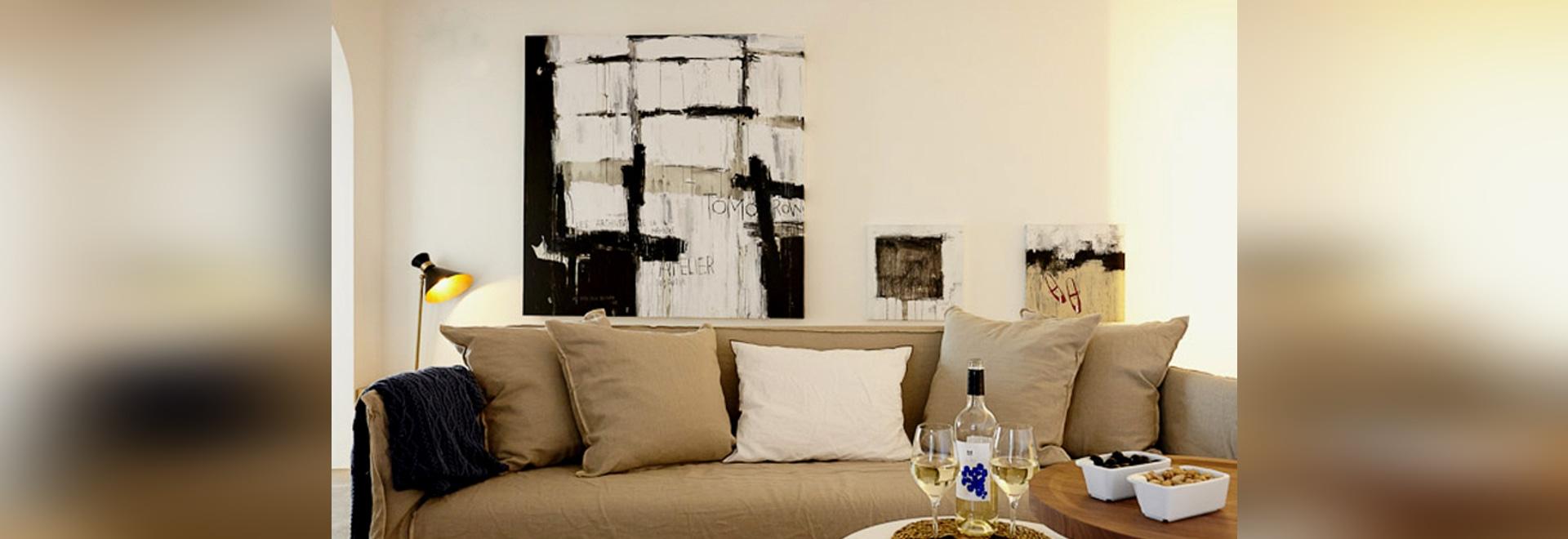 Mañana, pintura del formato grande y 50 x 50 pinturas por el Catman (hotel Maz Lazuli, salón)