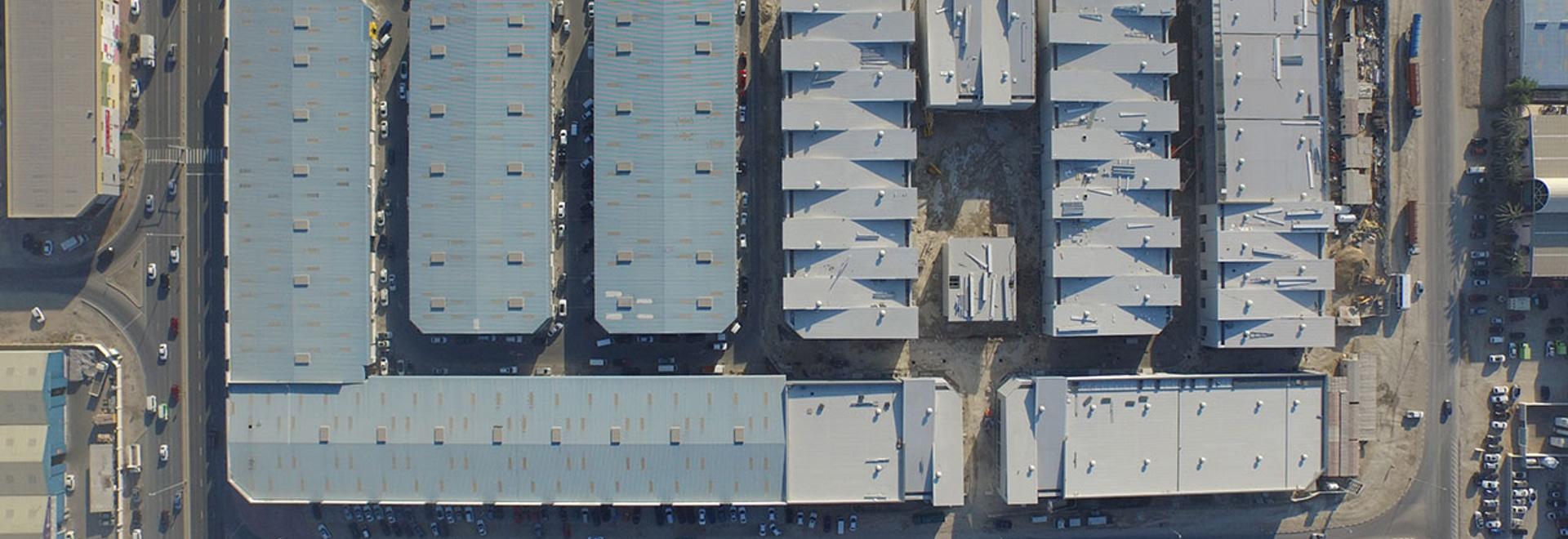 Opinión aérea de la avenida de Alserkal. Avenida de Alserkal de la cortesía de la foto.