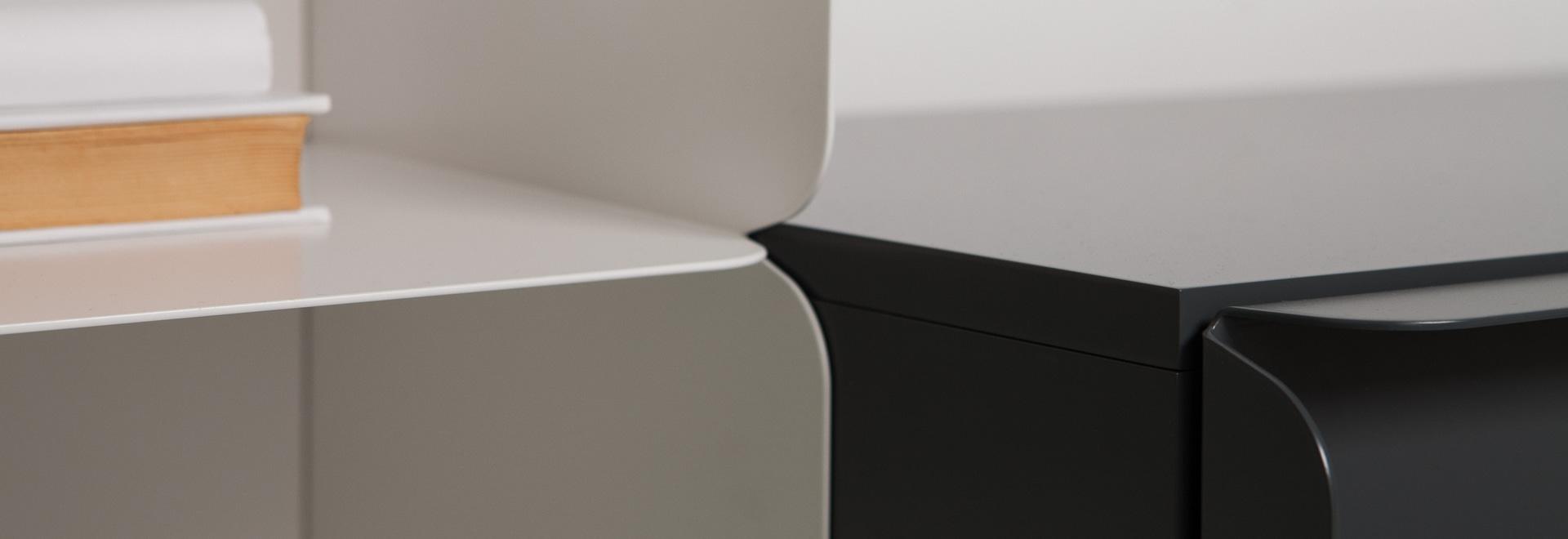 Opinión del detalle de un frente del estante para libros y del gabinete del cuello