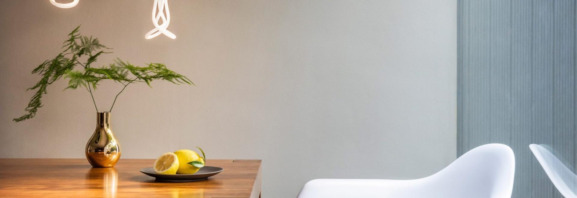 Plumen crea la versión del LED del diseño de la bombilla Año-que gana 001