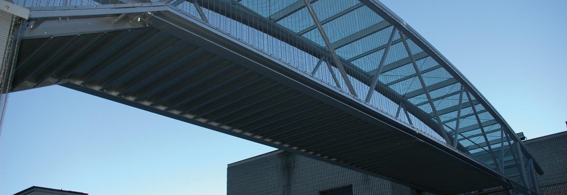puente peatonal Carcano