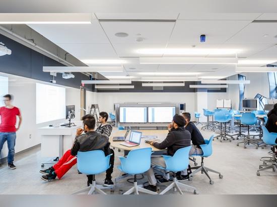 las salas de clase infunden tecnología y sistemas interactivos