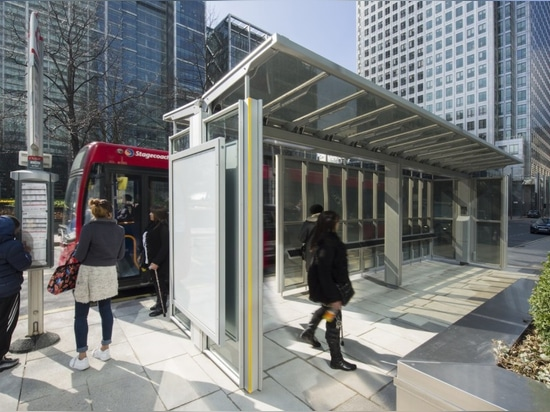 El cobertizo esmaltado por energía solar de Reino Unido primer genera bastante electricidad para accionar un hogar de Londres