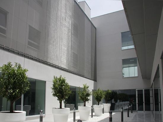 Fachada de la pantalla de Sun con la malla arquitectónica de HAVER
