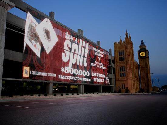El casino del mundo de WinStar atrae a fans de juego con una fachada tejida de los medios