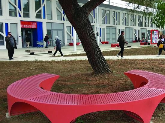 Muebles específicos para la universidad de Toulouse
