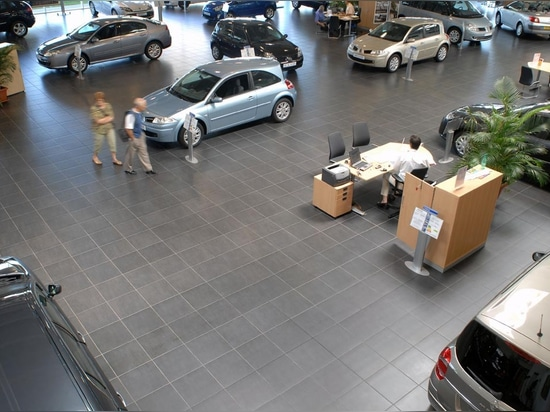 Sala de exposición Renault - ningún nombre