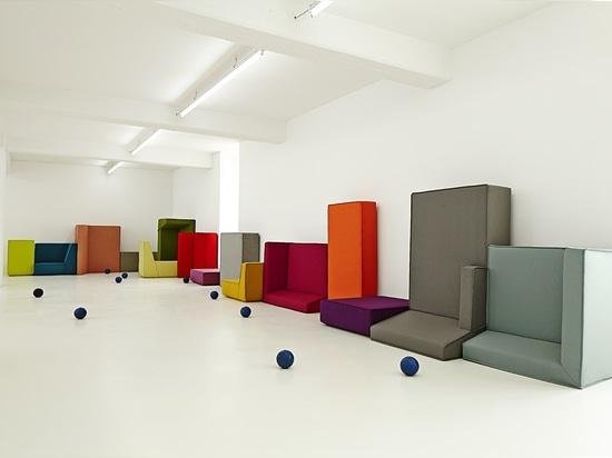 Variedad de sofás del codo