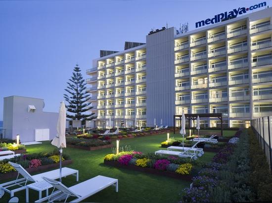 Terraza ajardinada Hotel Riviera