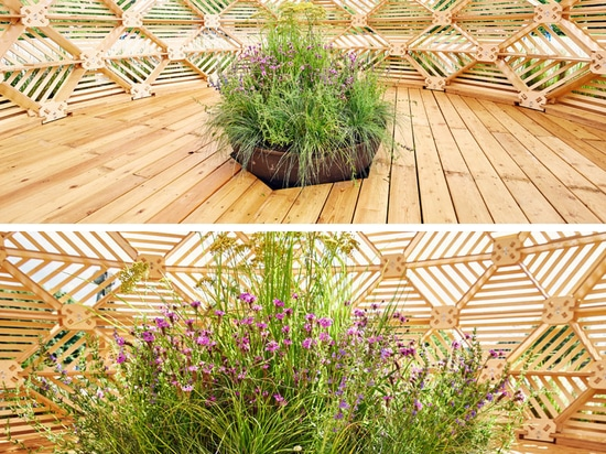 Este pabellón de madera fue diseñado con referencias a la estética eslava temprana