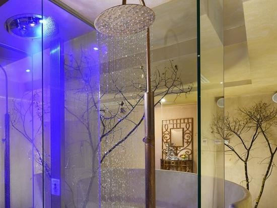Sull'Arno blando de Ville del hotel de la lluvia del doccia de Colonna