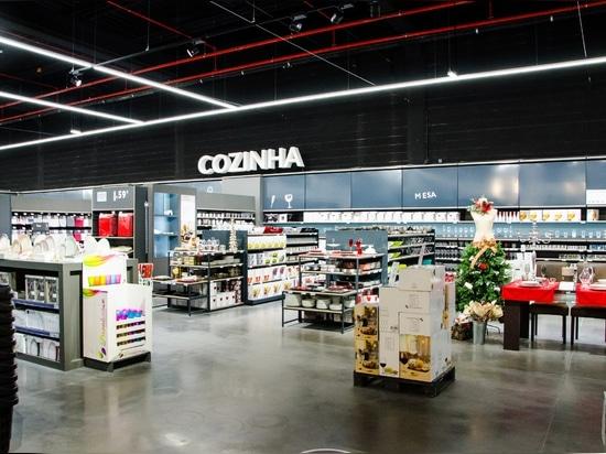 Brilumen ilumina la nueva tienda de DeBorla