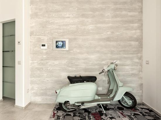 Automatización casera de la avenida en un tacto: modernidad de alta tecnología para un chalet italiano elegante