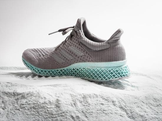Zapato de Adidas de Alexander Taylor de la basura plástica