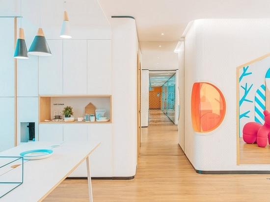 Proyector del diseño interior: Adición anaranjado diseñar. Clínica dental en China por la empresa del diseño de RIGI