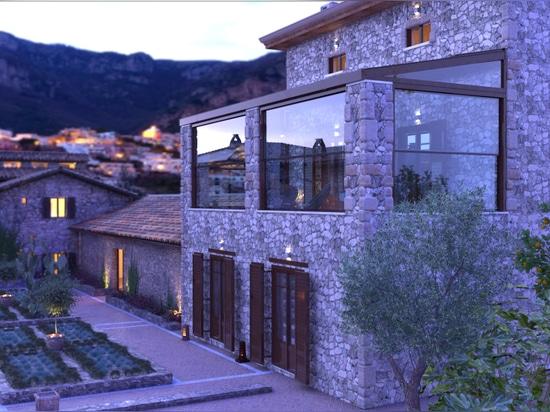 Construcciones de cristal en residencia tradicional