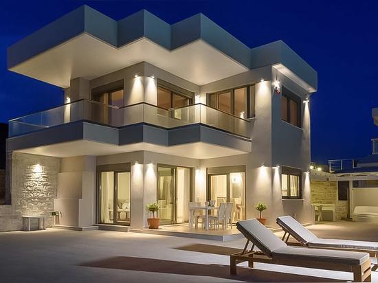 Casa de las vacaciones con objeto del mar libio.