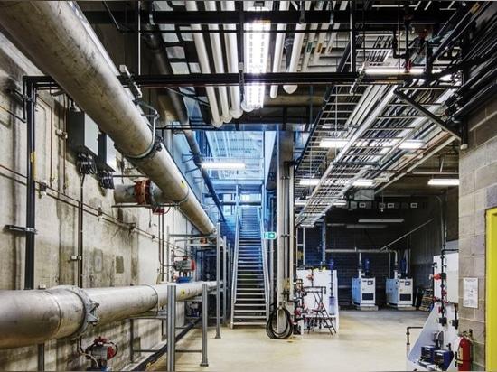 Este centro del tratamiento de aguas residuales del oro de LEED está ayudando a una comunidad a repensar poo