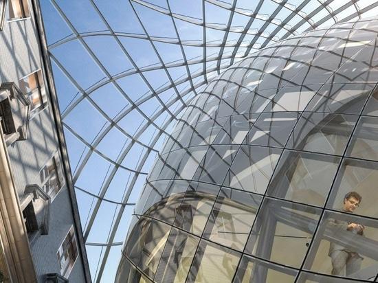 callebaut de Vincent para transformar el edificio histórico en Luxemburgo con la 'bóveda solar escultural'