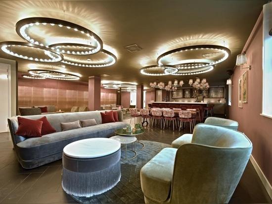 Campo de piruetas y de auroras en el hotel Amsterdam de Zaan.
