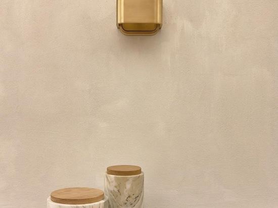 La cocina de los criados del castillo de Neuschwanstein inspira nuevo diseño belga utilitario