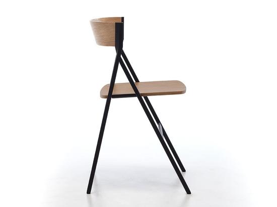 La silla plegable diseñada por Steffen Kehrle es una combinación de innovación, de calidad, de exactitud y de confiabilidad.