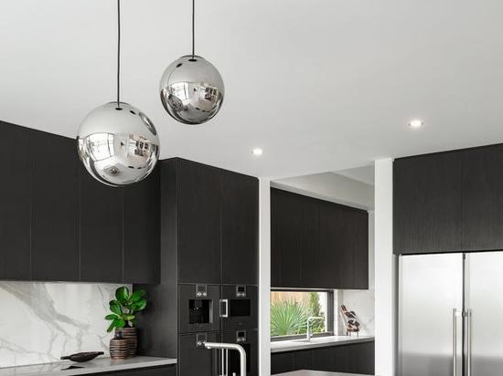 El diseño 'de la Riviera' se centra en la vida y el espacio interiores/al aire libre para entretener