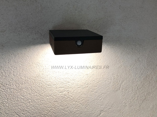 lámpara de pared solar APS 010
