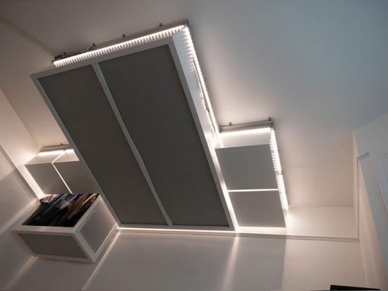 los muebles robóticos AI-controlados del techo crean el espacio adicional para los hogares minúsculos