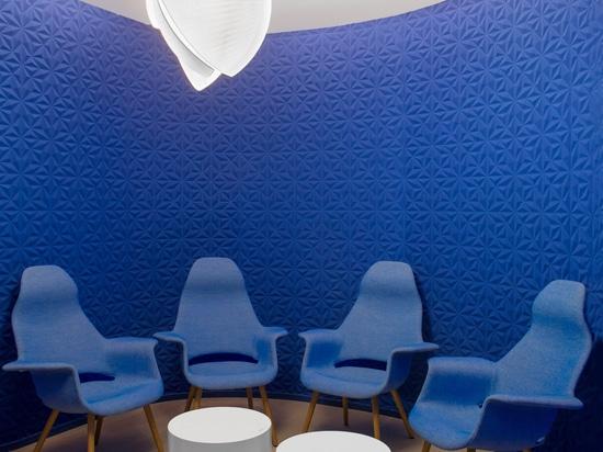 El cuarto de niños del rugido del futuro es un espacio de aprendizaje de alta tecnología para los niños en Dubai