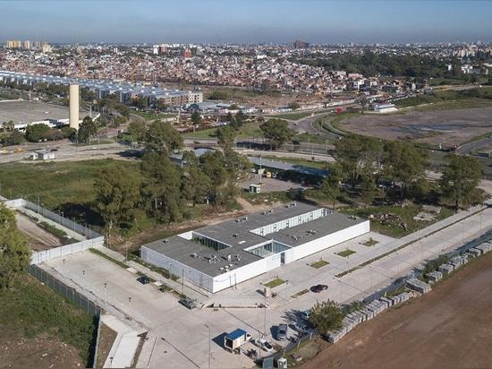 Reunión de la modularidad y de la economía en centro de desarrollo infantil de Buenos Aires