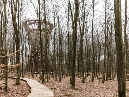 Torre de Observación de Camp Adventure / EFFEKT