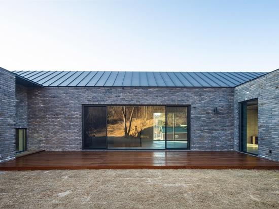 Galería Plum and Lake / Arquitectos H2L