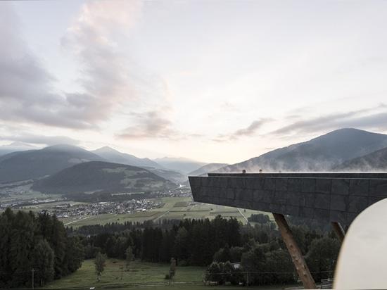 Hotel Hubertus: atrapado entre el cielo y la tierra