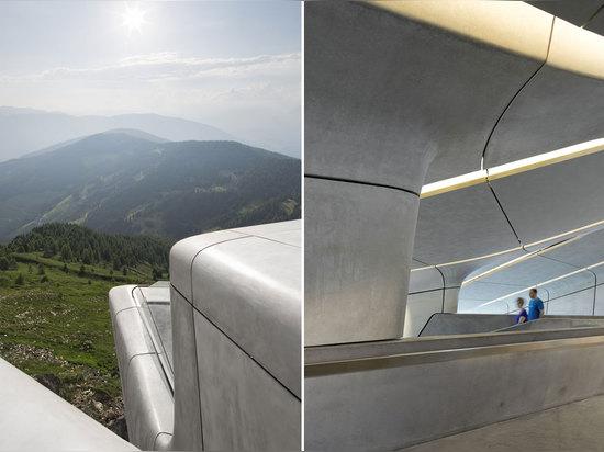 Arquitectos de Zaha Hadid, museo Corones, el Tyrol del sur, Italia de la montaña de Messner. © Werner Huthmacher de la foto