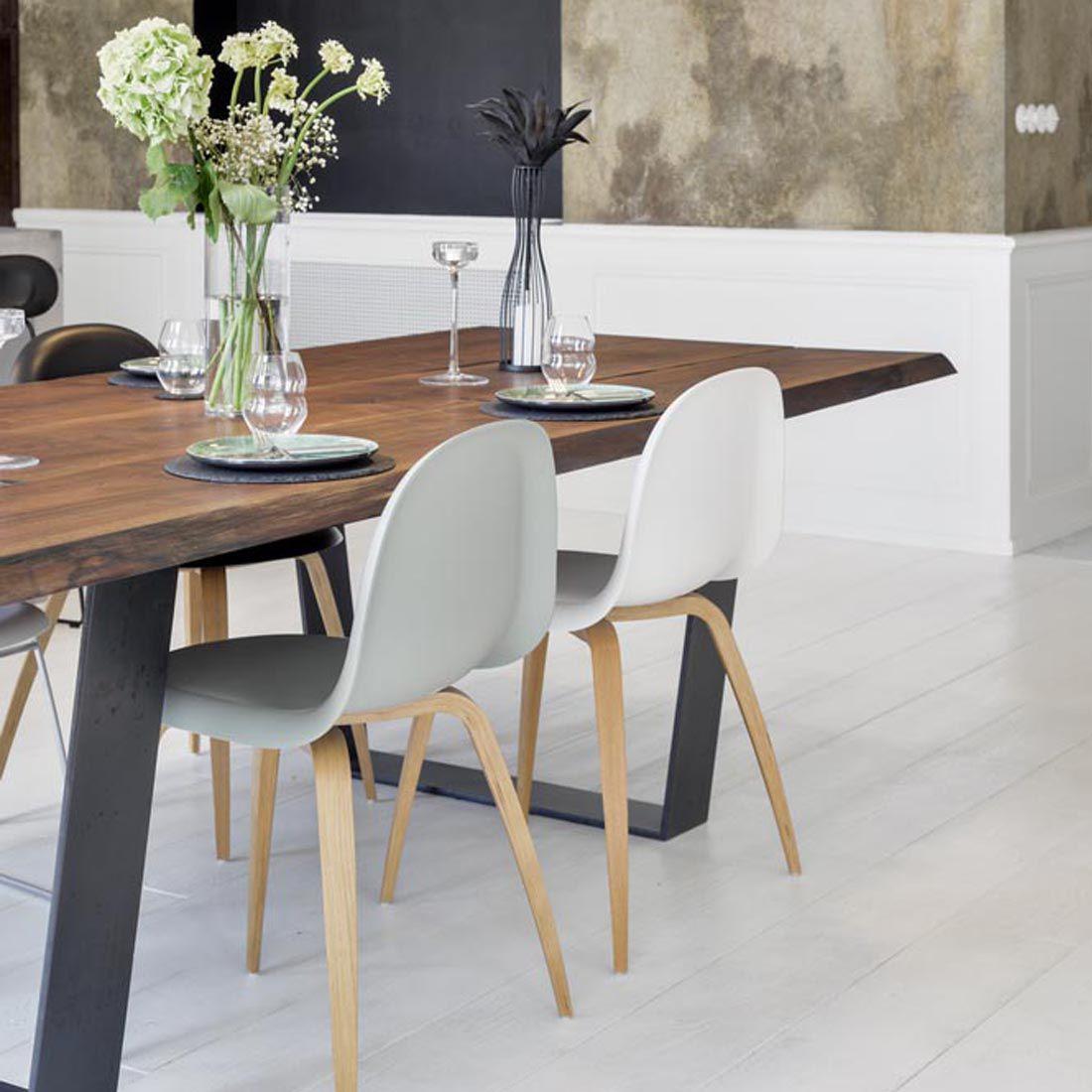 mesa de comedor contemporánea / de roble / de madera maciza / de nogal  americano