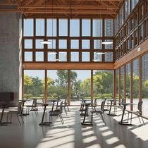 Mesa contemporánea / de madera / con base metálica / rectangular