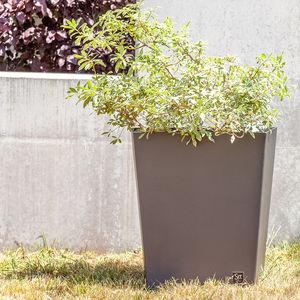 maceta de jardín de hierro / trapezoidal / para espacio público
