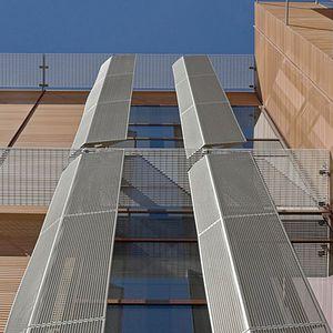 celosía con lamas de aluminio / de malla metálica / de acero inoxidable / para fachada